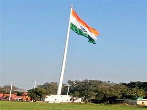 India's largest tricolour at Wagah is visible from Lahore ...