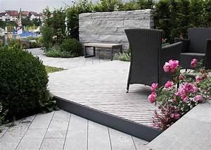 Terrassengestaltung Kleine Terrassen : ein kleiner garten aus funktional verschiedenen terrassen senkterrasse ~ Markanthonyermac.com Haus und Dekorationen