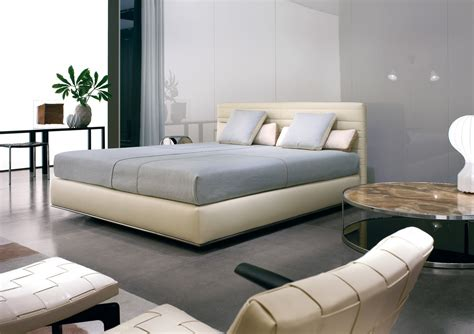 hamilton bed minotti luxury furniture