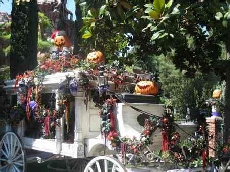 disneyland halloween party  spend halloween  disneyland