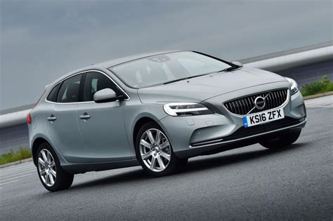 New Volvo V40 2016 review - pictures | Auto Express