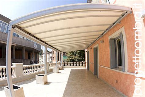 tettoia per terrazzo pergola con tenda a rullo retraibile con tessuto filtrante