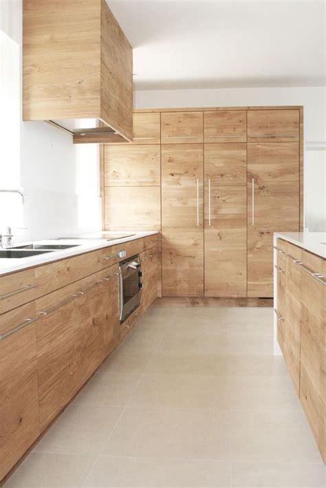cuisine chene clair contemporaine les 25 meilleures idées concernant cuisine en chêne sur