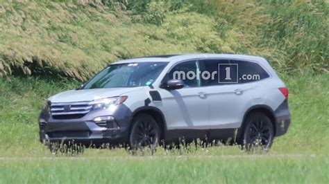 2019 Honda Accord Phev by 2019 Honda Pilot Spied For The Time In Phev Version