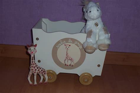 coffre a jouet la girafe photo de girafe apexwallpapers