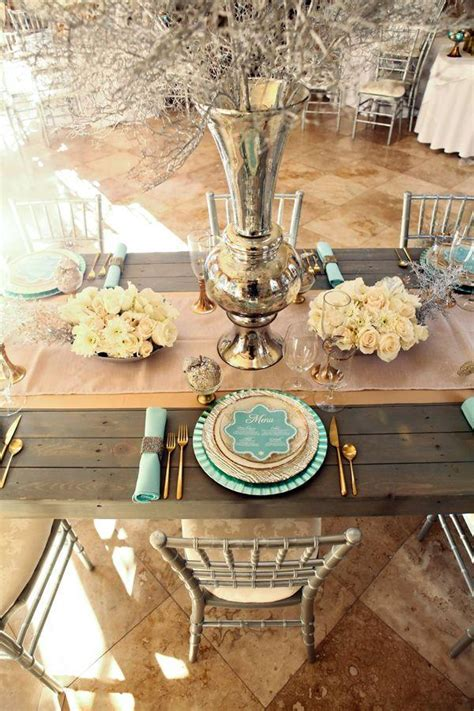 spectacular winter wedding table setting ideas deer