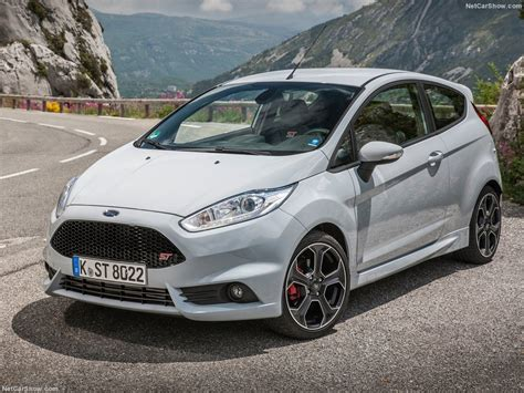 2017 Ford Fiesta St200 Redesign, Specs, Price, Colors