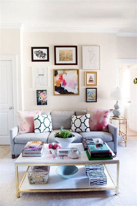 simple  fashionable living room wall decoration
