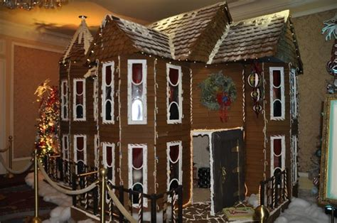 full size gingerbread house  main floor picture