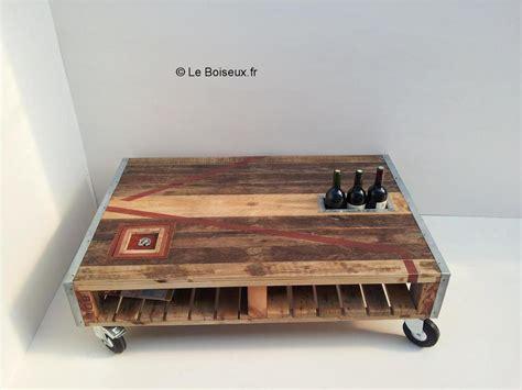 Table basse palette composu00e9e avec gou00fbt - Plateaux de table en bois recyclu00e9 sur mesure