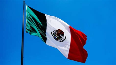 what color is the mexican flag the mexican flag