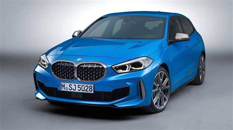 The company used to sell just one variant in the country. BMW 1 Series 2020 revealed: baby Beemer goes front-drive ...