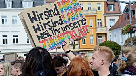 The current way of things has systematically marginalized billions of people around the world. Fridays for Future: Klimaschutz-Demo in Finsterwalde ...