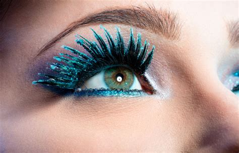 smart hacks  choose   eyeliner  blue eyes