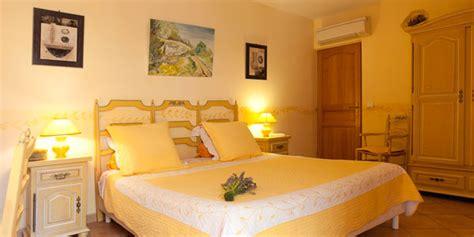 chambre jaune chambre joséphine clos de l 39 acacia chambres d 39 hôtes à