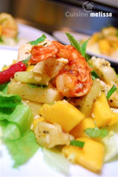cuisine metisse yam polamai salade thaïe au poulet crevettes et fruits