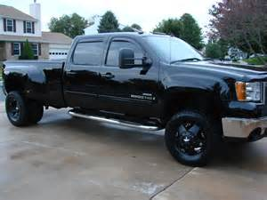 Chevy 3500 Dually with Leveling Kit GMC