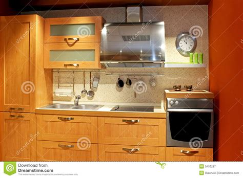 cuisine d appartement cuisine d 39 appartement photographie stock libre de droits