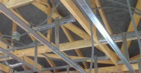plafond placo sous fermettes implantation des fourrures