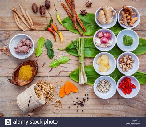 zutaten auf englisch verschiedene thail 228 ndische essen kochen zutaten f 252 r spice curry paste wirkstoff thai
