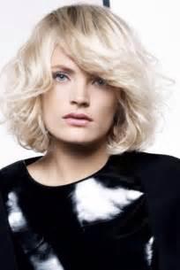 coupe cheveux court femme 60 ans coiffure cheveux courts jacques dessange