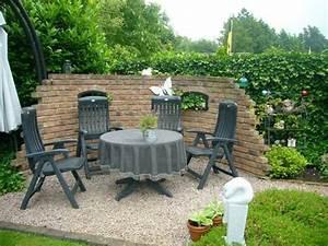 Freisitz Im Garten : gartenmauer freisitz mauer pinterest ~ Lizthompson.info Haus und Dekorationen