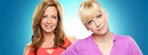 'Mom: The Complete First Season' is banal comedy that can ...