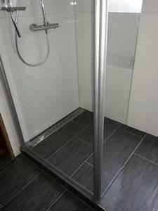 Badezimmer Fliesen Grau Weiß : fliesen anthrazit matt iga domizil badezimmer schwarze ~ Watch28wear.com Haus und Dekorationen
