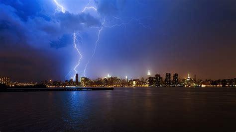 lightning the city wallpaper 21917