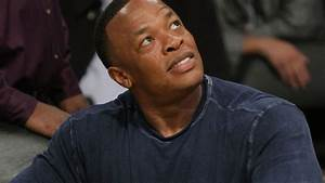 Dr. Dre and Jimmy Iovine come to Warriors practice