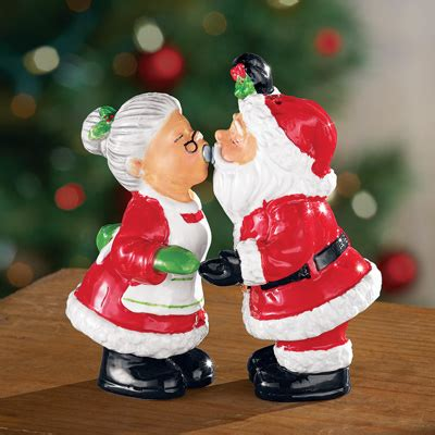 santa claus salt  pepper shakers