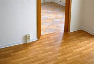 Fußboden Fliesen Verlegen : wie verlege ich pvc pvc in ecken schneiden pvc in grossen raeumen schneiden with wie verlege ~ Eleganceandgraceweddings.com Haus und Dekorationen
