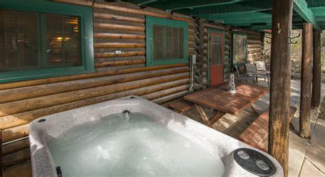 cabin rental with tub in cascade near colorado springs
