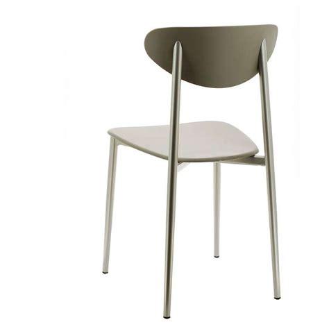 chaise en polypropylène davaus chaise de cuisine quatre pieds avec des