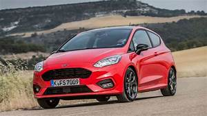 Fiesta St Line 2017 : watch now new ford fiesta st line 2017 review youtube ~ Medecine-chirurgie-esthetiques.com Avis de Voitures