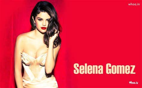 Selena Gomez Hot Cleavage - Selena Gomez Instagram
