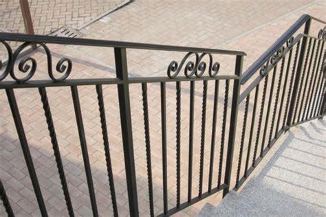 lade da esterno in ferro battuto scale a chiocciola scale su misura ringhiere e cancelli