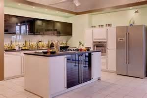 küche mit kochinsel bauformat musterküche küche mit kochinsel ausstellungsküche in hof küchentreff friedrich