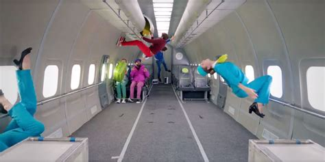 Zero Gravity : Ok Go's New Music Video For 'upside Down And Inside Out