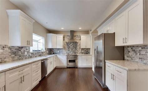 arctic white shaker flip door 10x10 kitchen cabinets