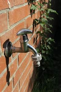 Installer Robinet Exterieur : lorsque le robinet d ext rieur devient indispensable maison de maitre ~ Dallasstarsshop.com Idées de Décoration
