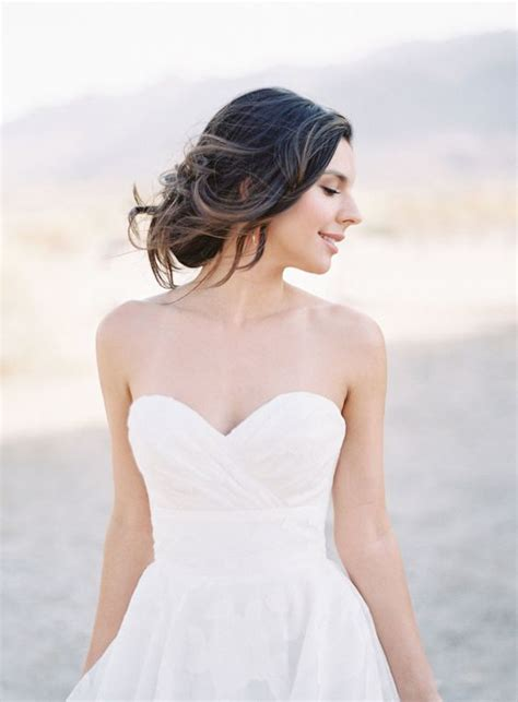 6 best hairstyles wear with strapless wedding dress