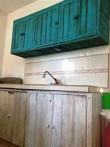 Diy pallet hanging kitchen cabinet 99 pallets for What kind of paint to use on kitchen cabinets for hanging material wall art