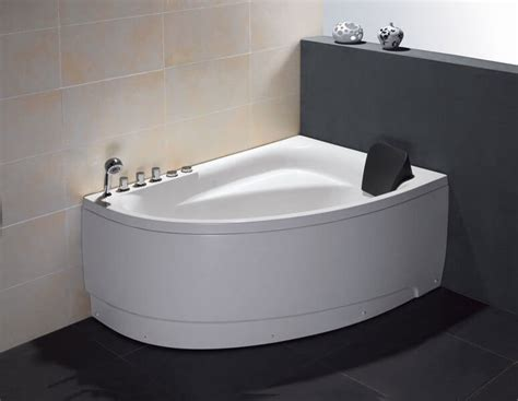Best Bathtubs For Small Bathrooms by Small Bath Tub Divinodessert