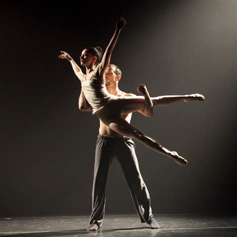 """Thodos Dance Chicago """"new Dances"""" 2012  Review + Gallery"""