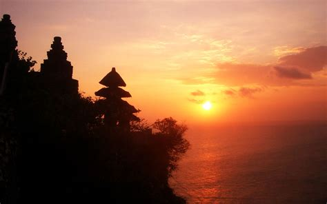 uluwatu temple tours  bali sunset tours wonderful