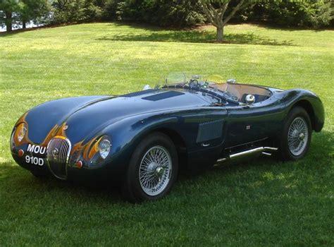 Jaguar D-type Doet Villa D'este Trillen Op Fundamenten