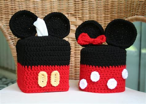 you have to see mickey minnie bathroom decor set on craftsy