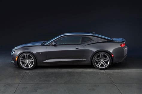 2018 Chevrolet Camaro Vs 2018 Ford Mustang Digital Trends