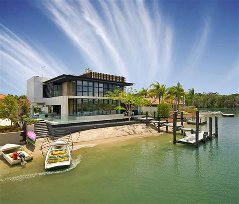 modern luxury home  australia sunshine coast  architect frank macchia